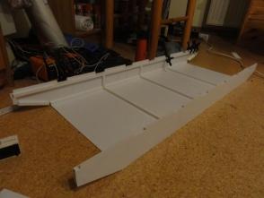 das Grudgerüst wird aus 1mm Styrenneplatten erstellt und mit Profilresten versteift