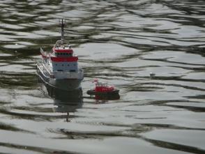 für die Rettung im Flachen wird das Tochterboot Verena benötigt
