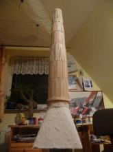 nach dem Beplanken der Säule offenbart der Kran seine wahre Größe.