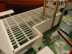 Die Werkstatt hinterm Aufbau im Rohbau